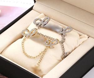 Shiny C Letter Luxury Brooch