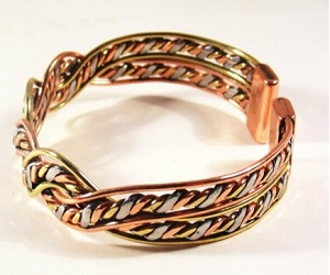 Unisex Magnetic Three Colour Twist Bracelet MCB017